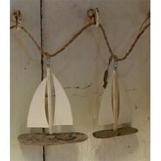 Driftwood boats garland