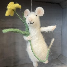 Wool White Mouse with Daffodil